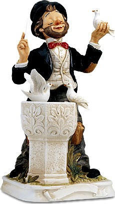 The Conductor Willie - Melody In Motion Figurine - Limited Edition