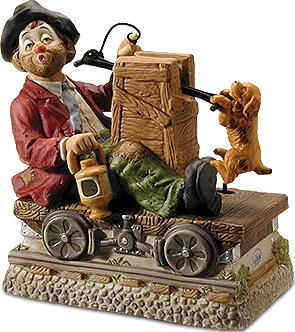 Railroad Car Willie - Melody In Motion Figurine